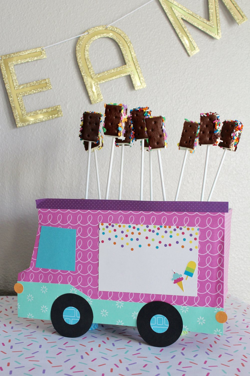 DesignOrganizeParty_Miniature Ice Cream Party_Ice Cream Truck_Sandwiches_Mini