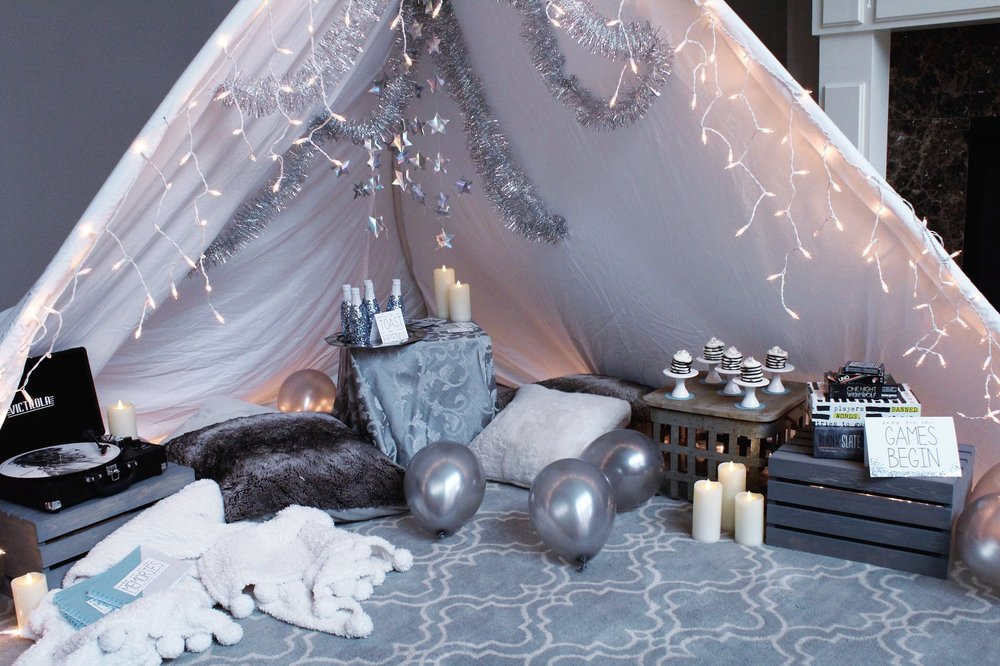 Taylor Swift New Year's Eve Blanket Tent_Design Organize Party_Reputation.JPG