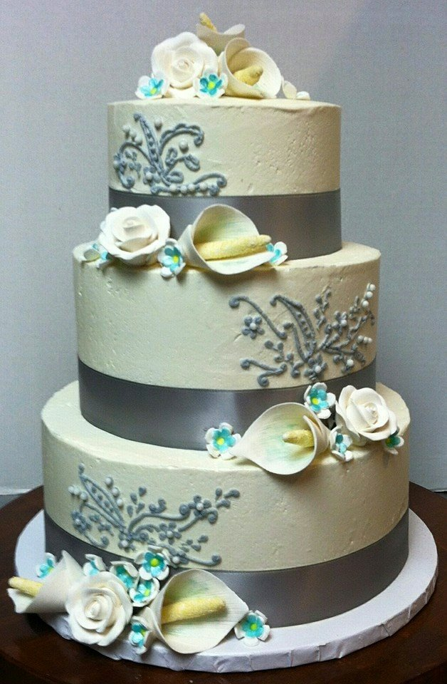 WeddingCakeSilver.jpg