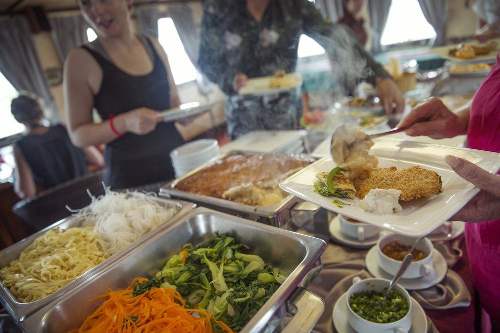 Vietnam Sa Dec Toum Tiou II Riverboat Interior Restaurant Lunch Buffet Travellers - IMG1096 Lg RGB.jpg