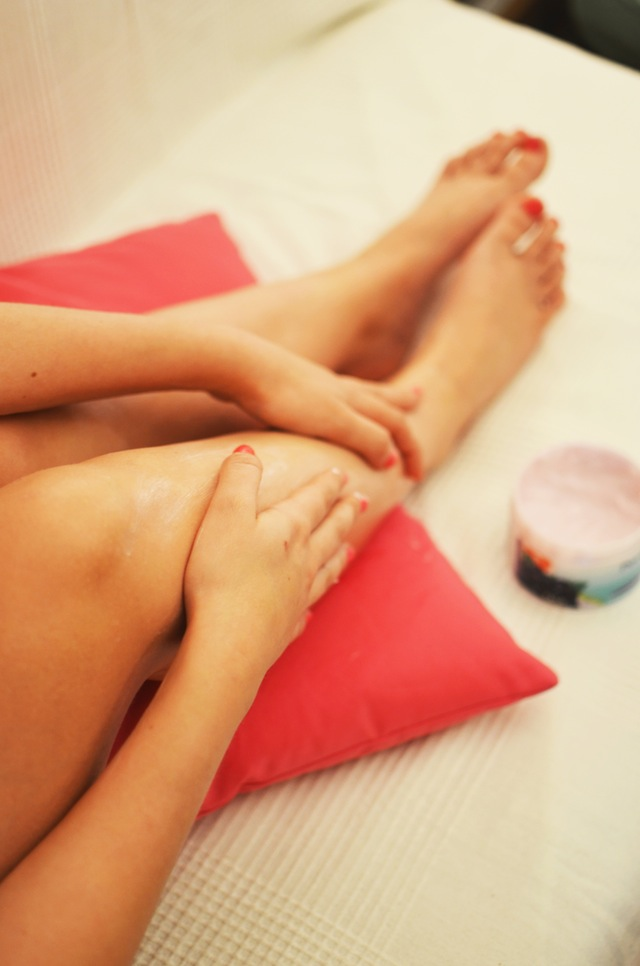 Soft wax or hard wax? How to choose for you next waxing appointment. (Image source:  pexels.com )