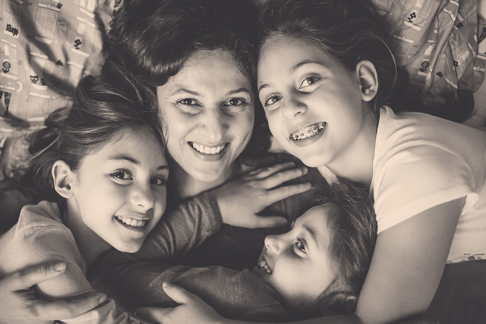 Adriana rodeada por Marina, Isabel e Gabriela