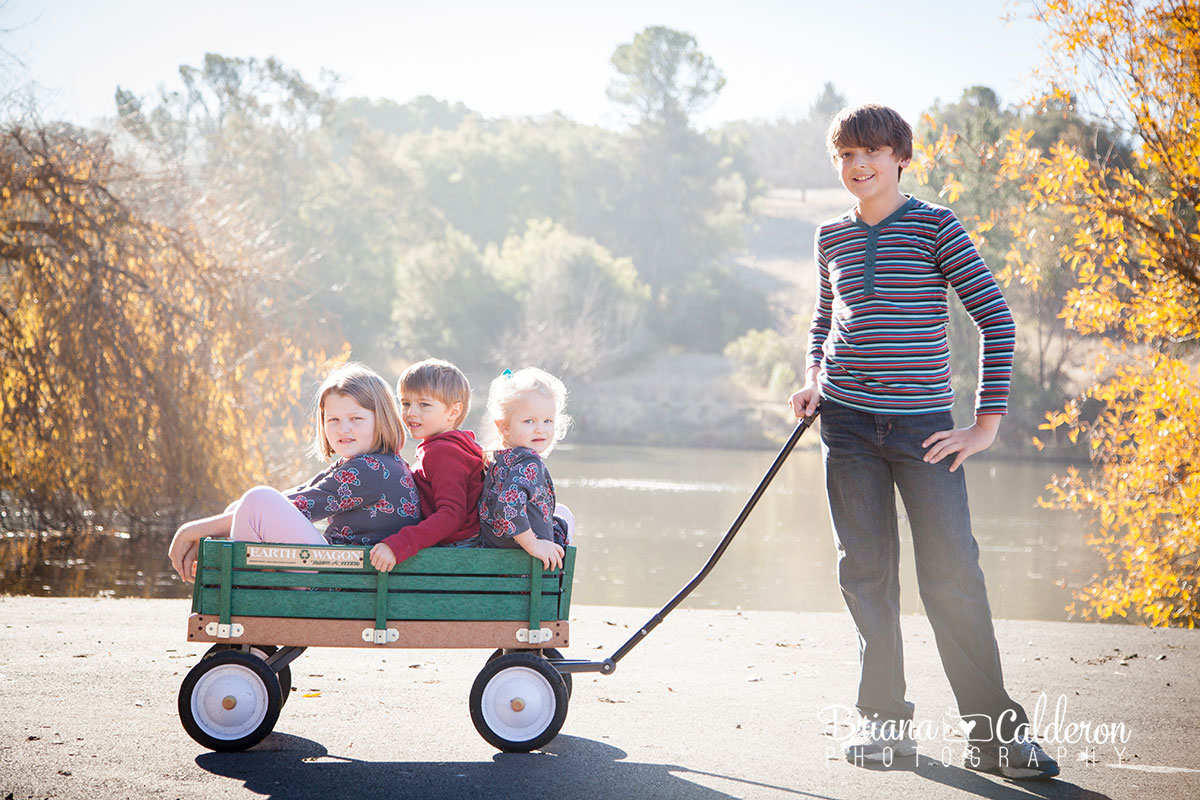 Family portrait session with kids at Spring Valley Pond in Milpitas, CA.  Photos by Briana Calderon Photography based in the San Francisco Bay Area.
