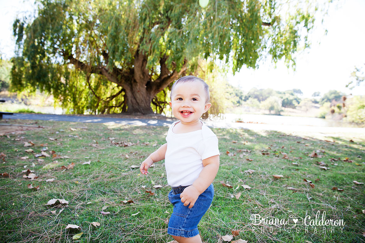 Family mini  photo session at Spring Valley Pond in Milpitas, CA.  Photos by Briana Calderon Photography based in the San Francisco Bay Area.