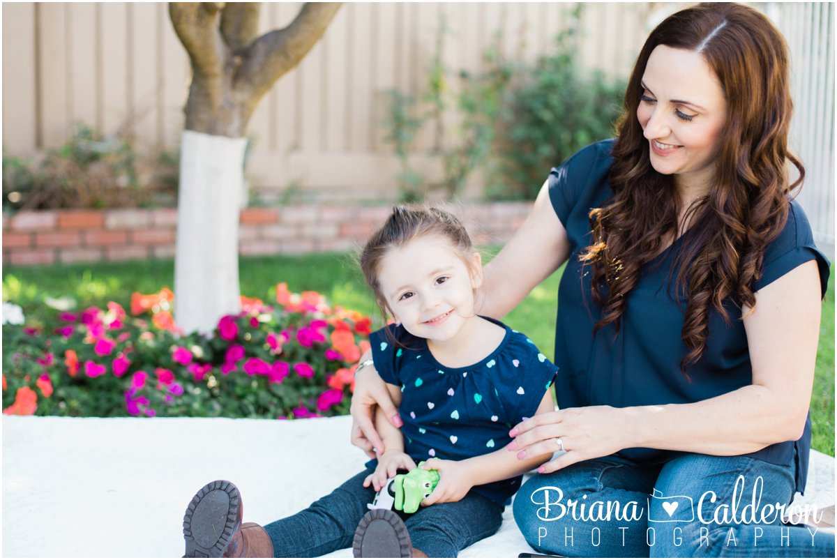 Family portrait session at home/backyard in San Jose, CA. Photos by Briana Calderon Photography based in the San Francisco Bay Area in California.