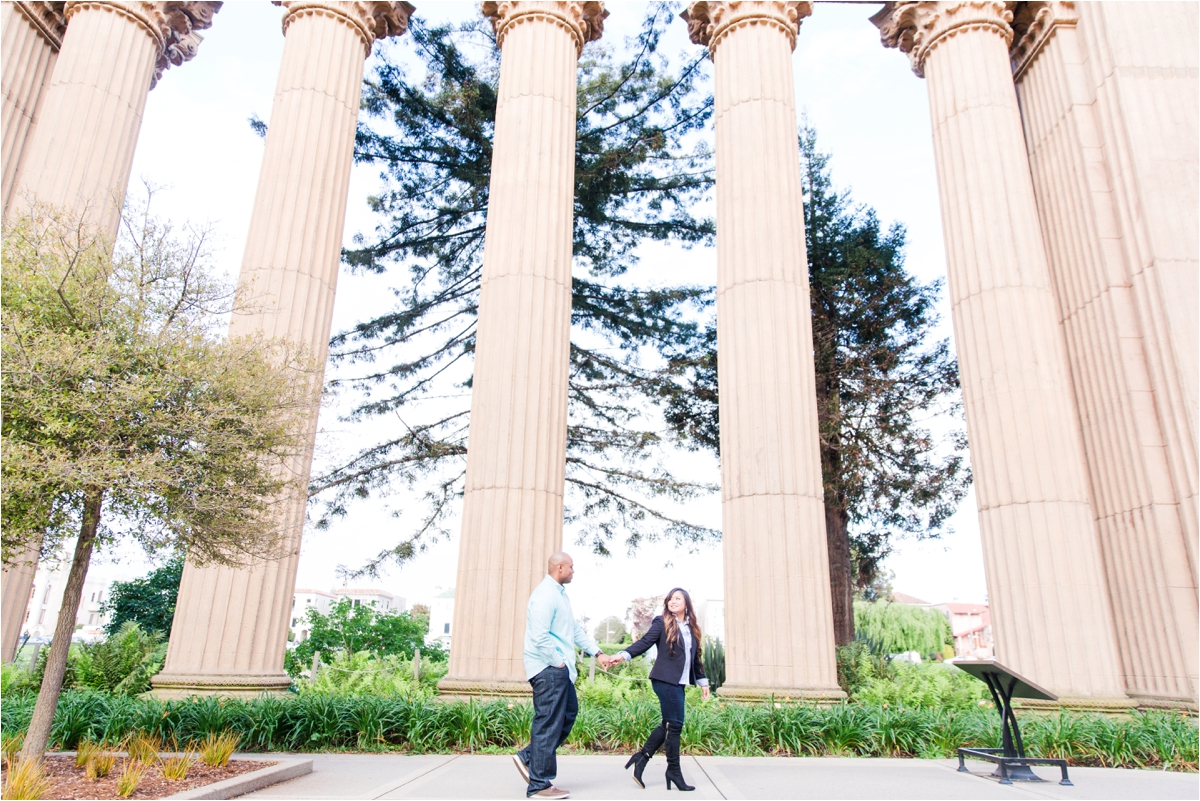 Engagement shoot at The Palace of Fine Arts and Crissy Field Beach in San Francisco, CA. Photos by Briana Calderon Photography based in the SF Bay Area in California.