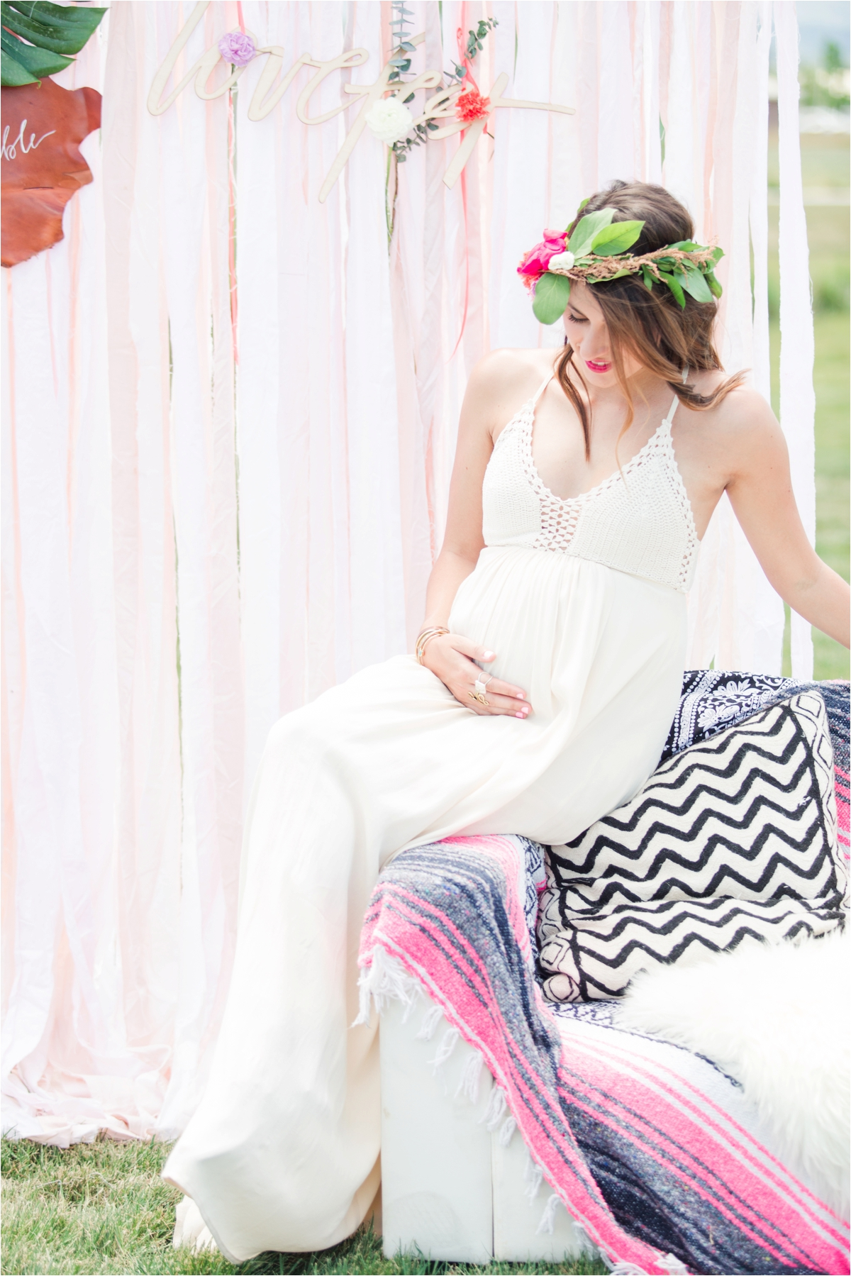 Bohemian baby shower and maternity portrait shoot at Martial Cottle Park in San Jose, CA. Photos by Briana Calderon Photography based in the San Francisco Bay Area in California.