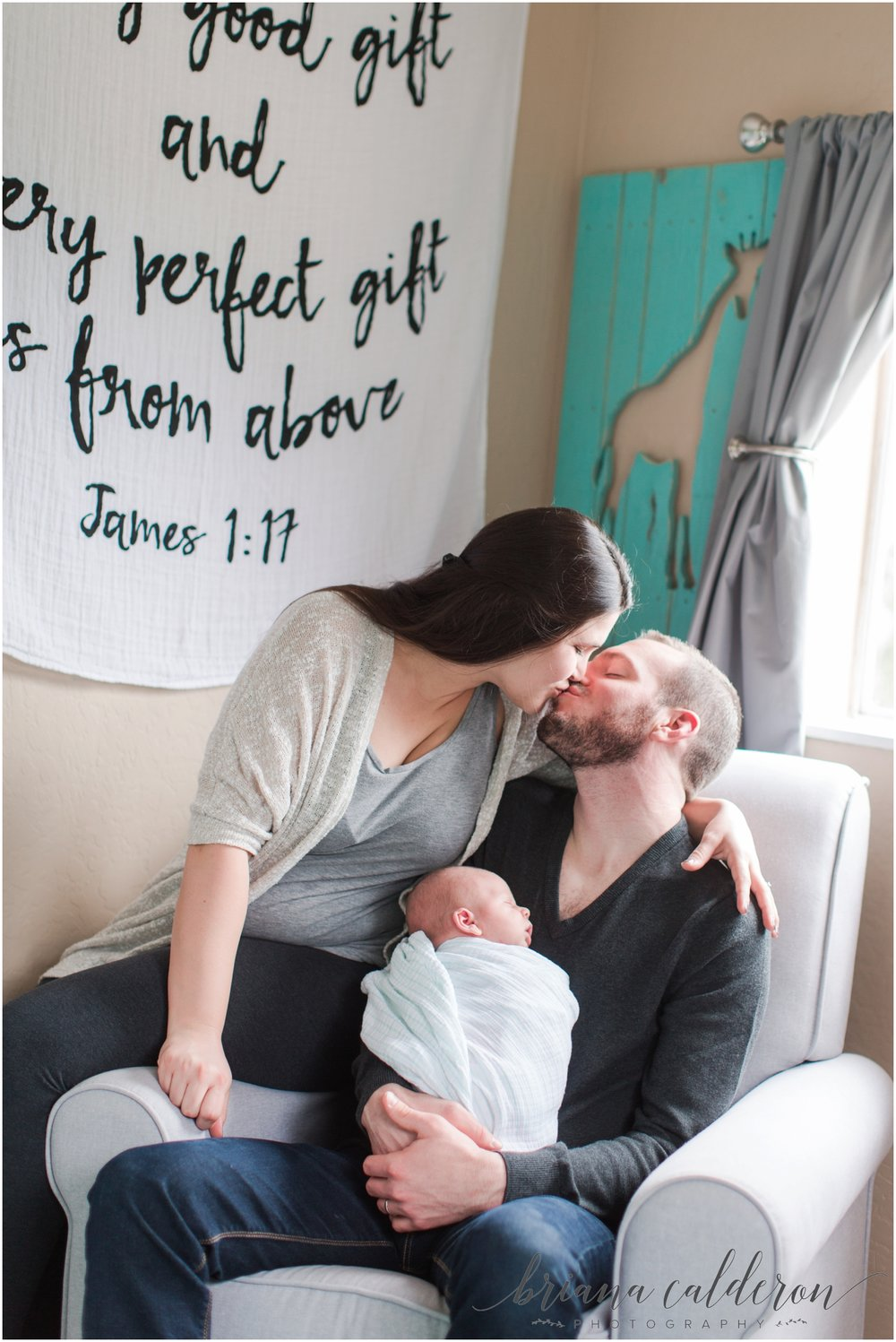 Lifestyle newborn photos by Briana Calderon Photography_0995.jpg