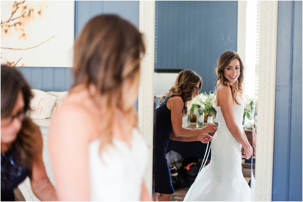 Picchetti Winery wedding pictures by Briana Calderon Photography_2015.jpg
