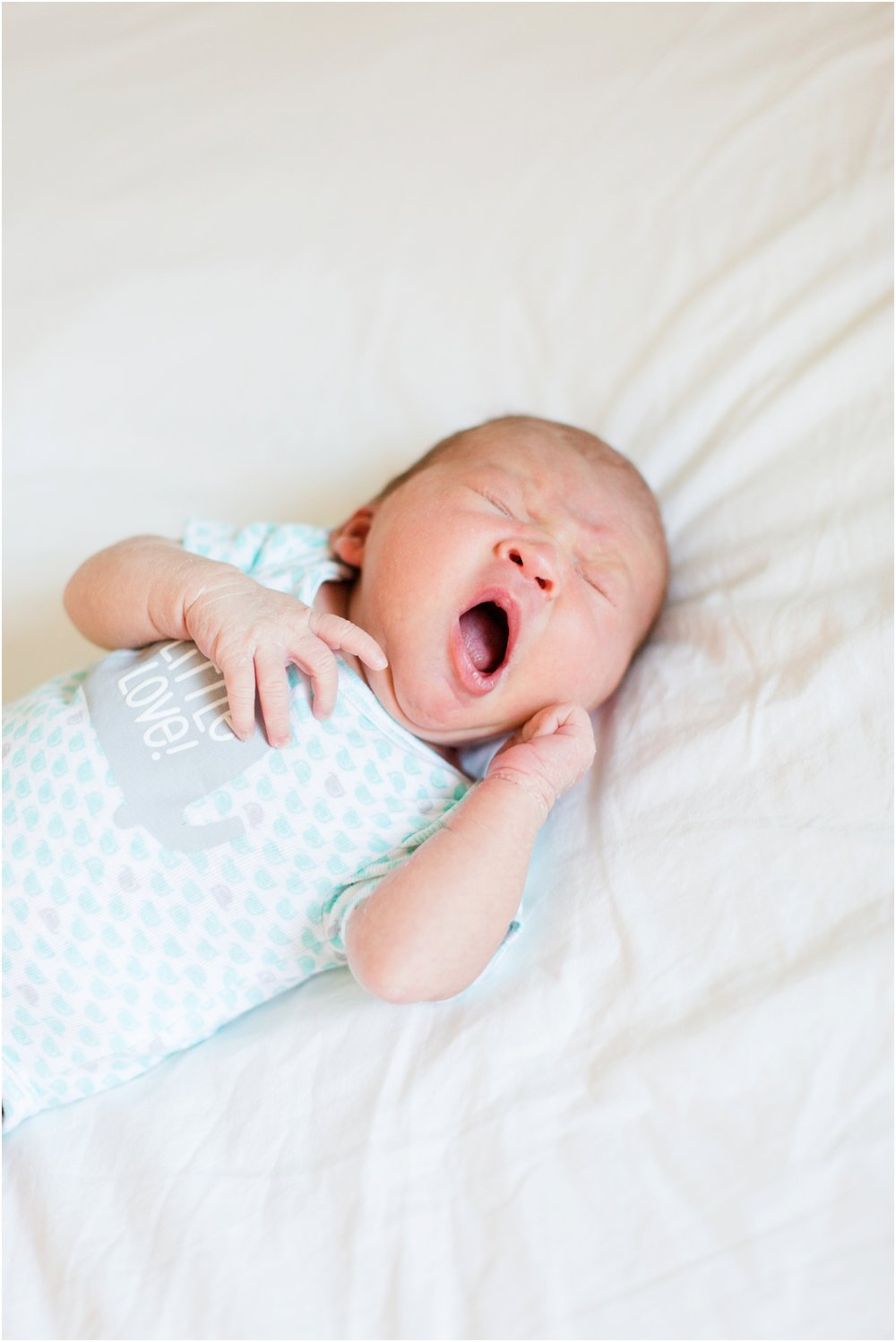 Lifestyle newborn pictures at home by Briana Calderon Photography_2435.jpg