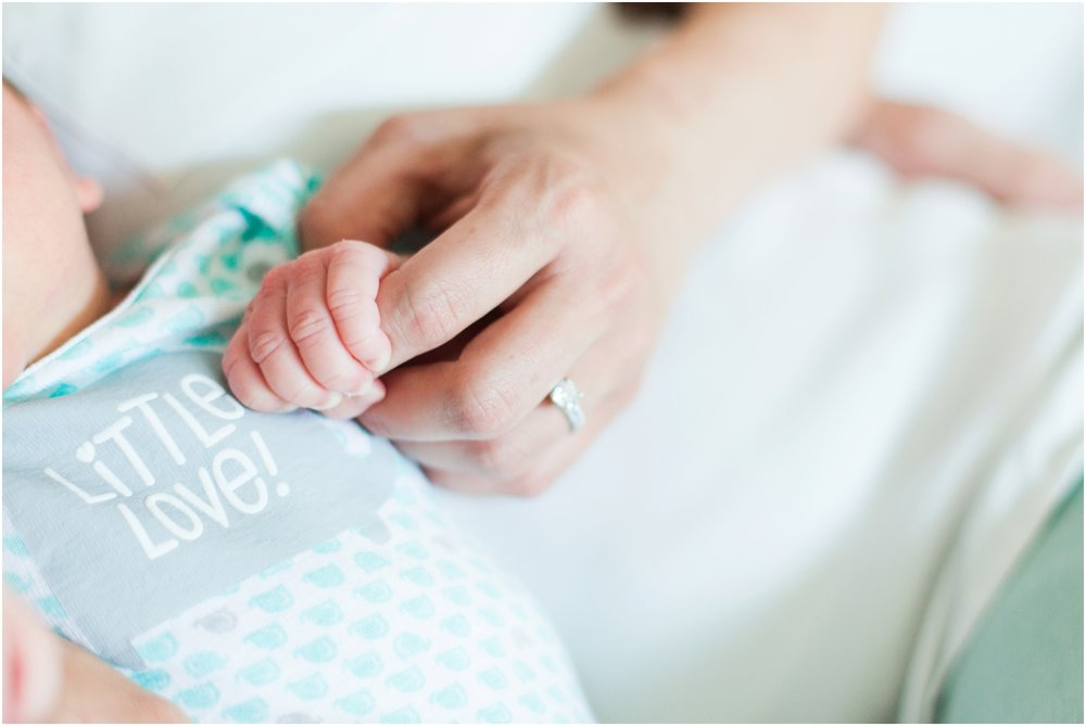 Lifestyle newborn pictures at home by Briana Calderon Photography_2454.jpg