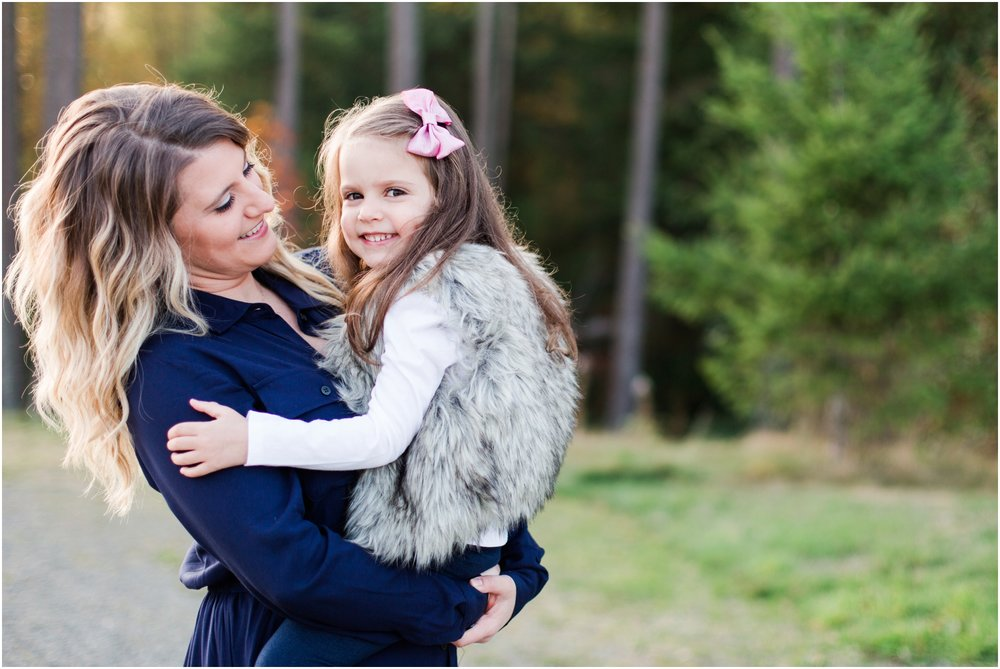 Fall family pictures by Briana Calderon Photography based in the Greater Seattle & Tacoma, WA_0930.jpg