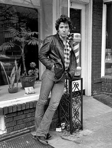Bruce at Frank's barber shop on King's Highway, 1978