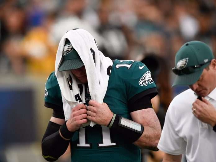 Carson-Wentz-ACL-Injury-Confirmed-696x522.jpg