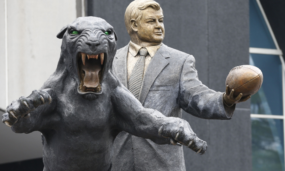 jerry richardson statue.jpg