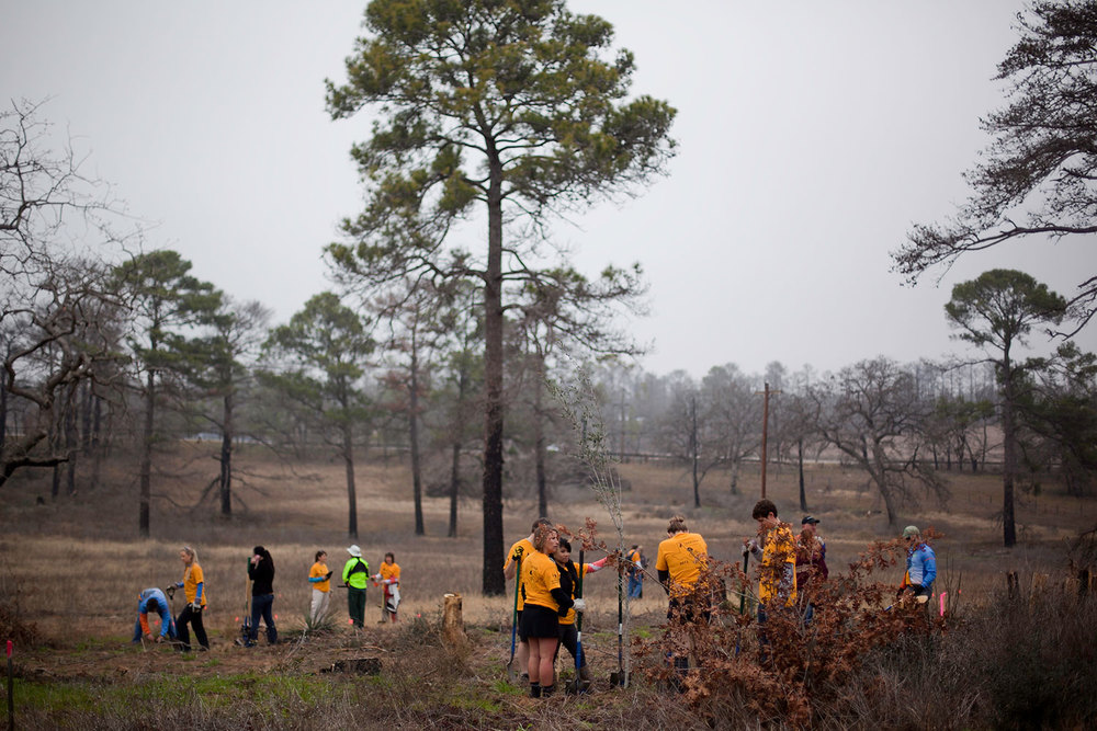 Volunteers at a Retreet in Bastrop. Photo from www.retreet.org.