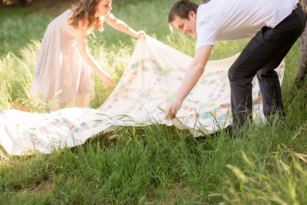 Picnic Engagement Session -  Oh My Goddard Photography-4.jpg