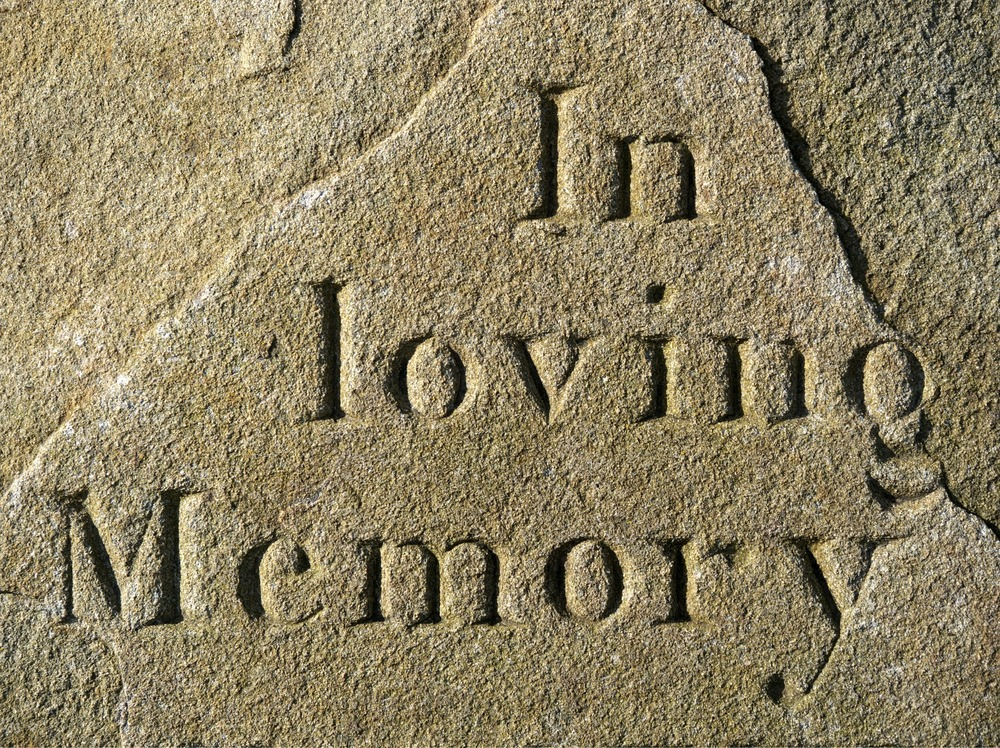 loving-1207568_1920.jpg