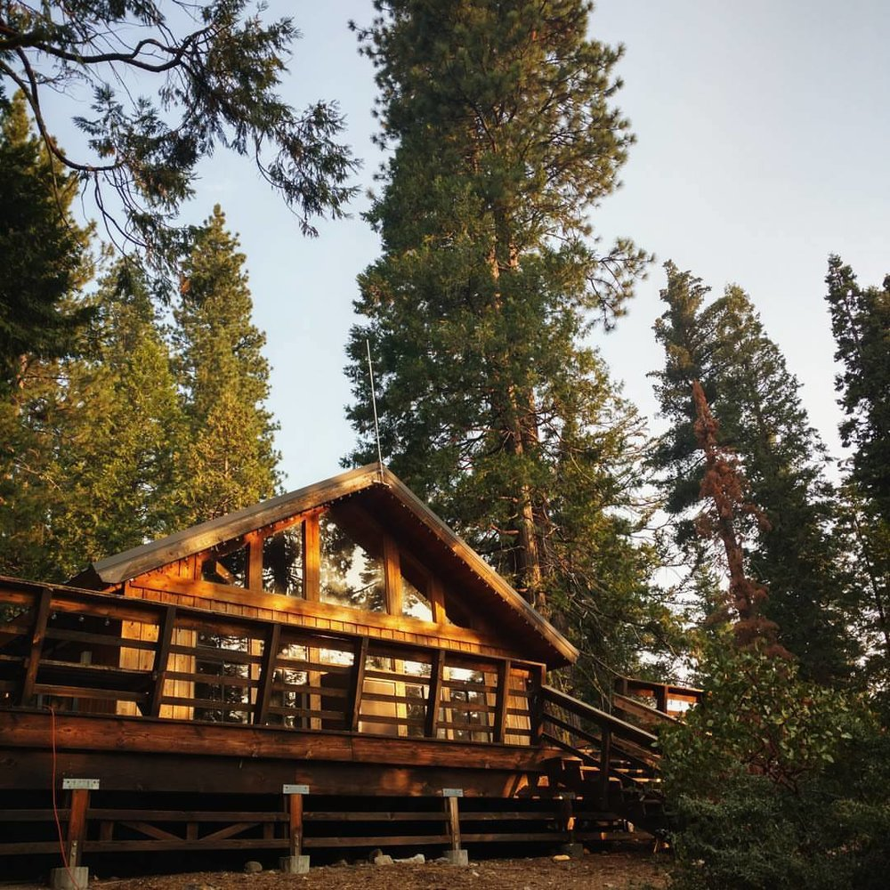 Catching the sunrise at Lair of the Golden Bear's Vista Lodge