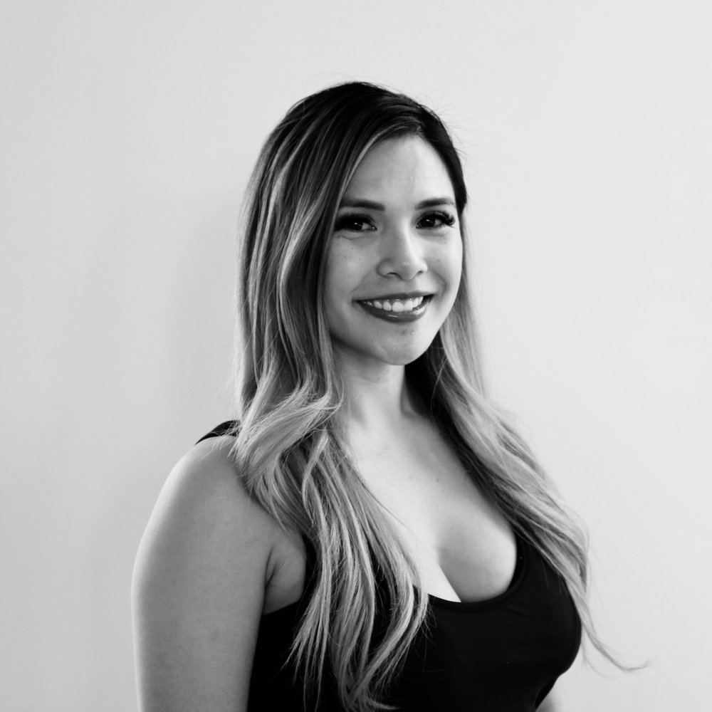"""LAUREN LANDINGIN - Teaching Style: Upbeat, energetic, motivatingFavorite song to sweat to: """"Sexy Bitch"""" by: David GuettaMega move I can't live without: Mega plank to pikeYou may not know... I cheered professionally for the San Francisco 49ers for 3 seasons."""
