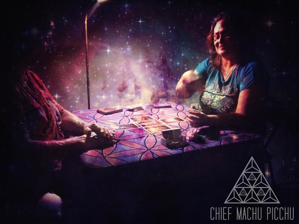 Jodie & Geraldine during Geraldine's Reading last night at Chief Machu Picchu | Tarot Speed Reading