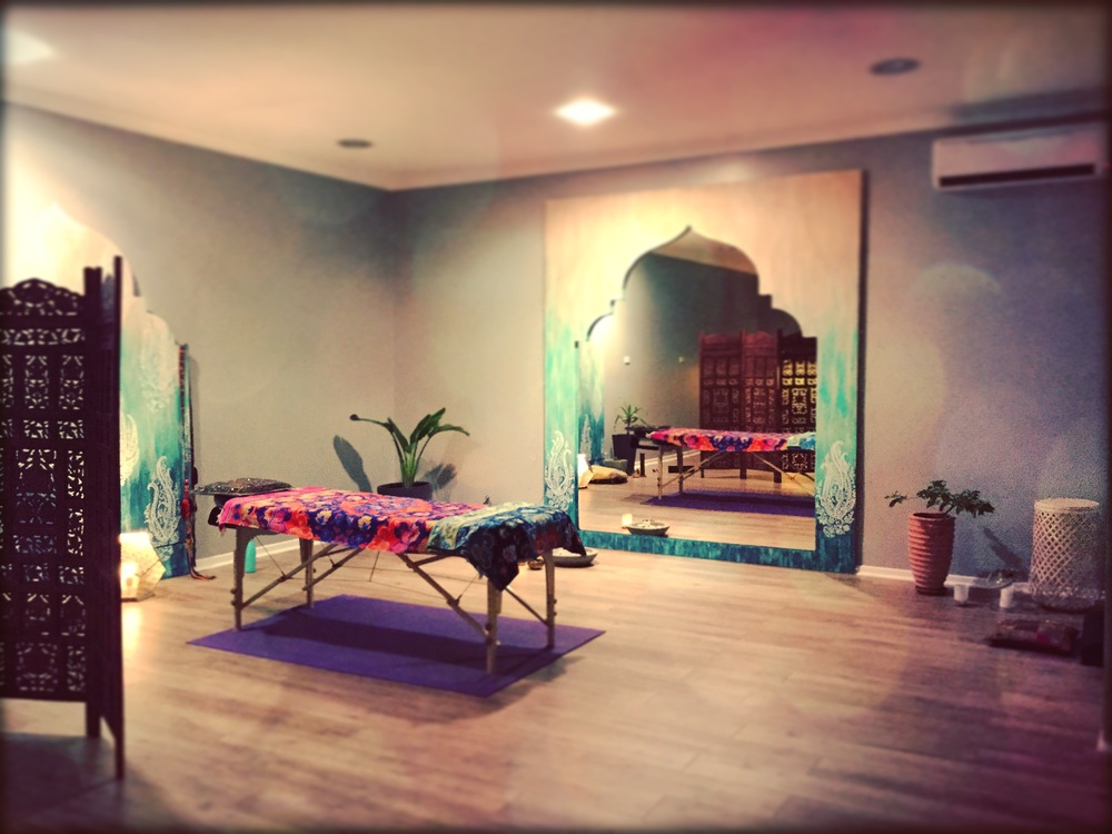 Ayurvedic & Psychosomatic Bodywork Massage | Therapeutic & Indian Head, Hand & Foot Massages Available