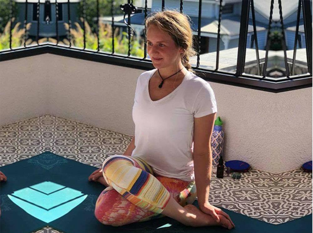 Belle hart yoga instructor toowoomba hatha meditation .jpg