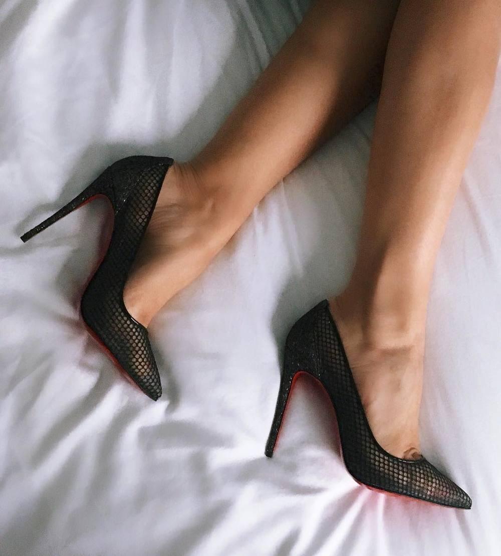 mel-ronnie-stay-comfortable-in-heels-mesh-black-louboutins