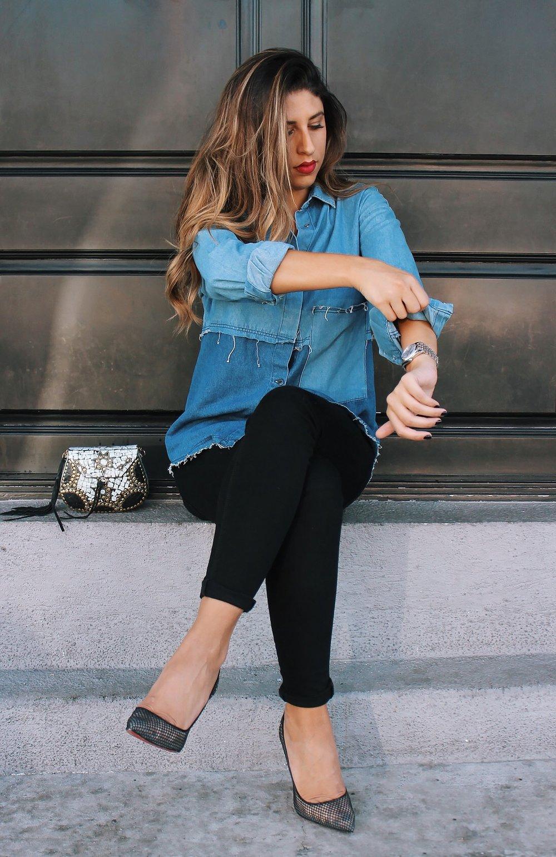 mel-ronnie-denim-red-lip-louboutins-skinny-jeans-black-gold-2.JPG