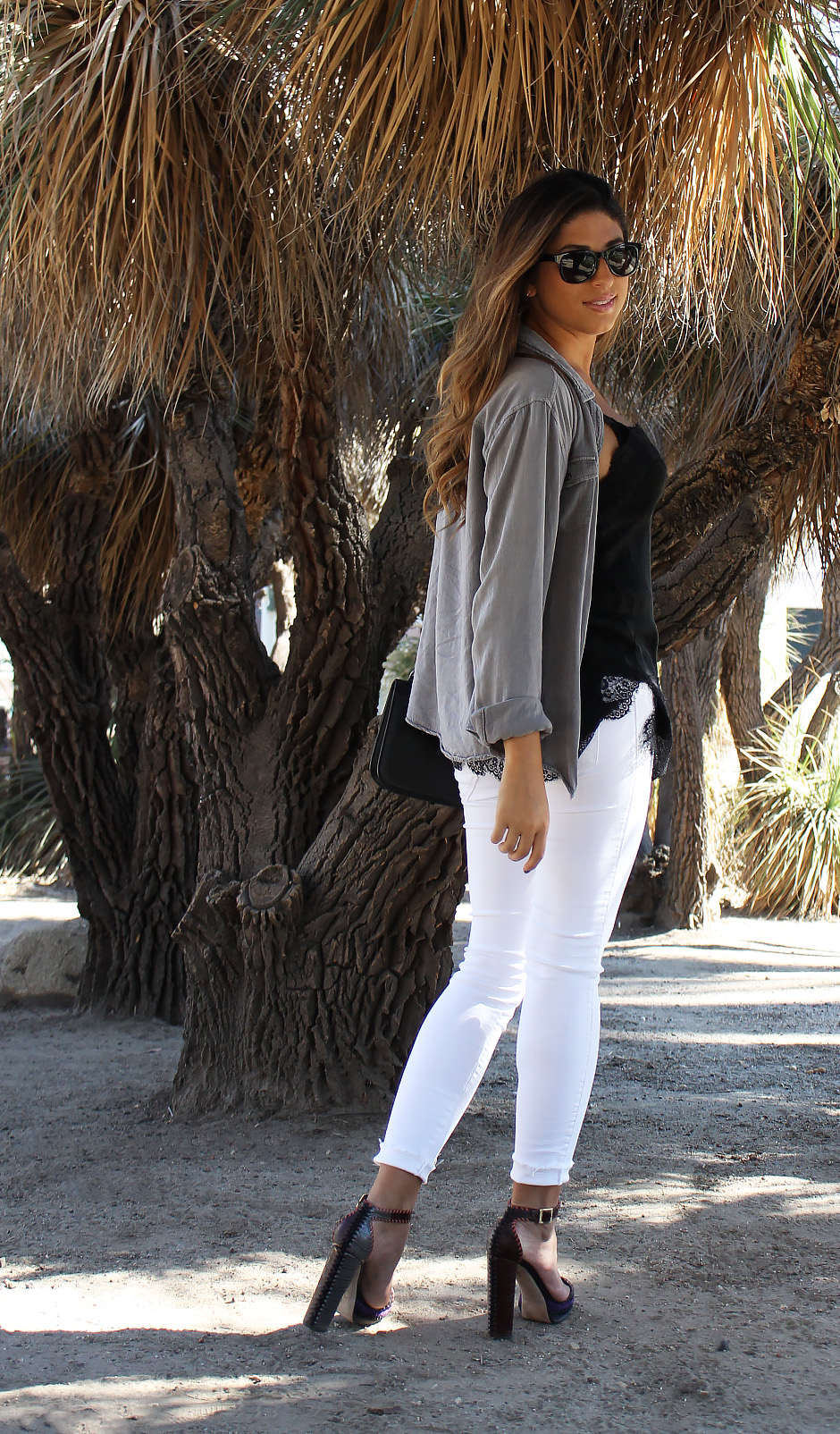 mel-ronnie-jimmy-choo-game-grey-top-lace-cami-black-white-denim-jeans-outfit-valentino-rockstud-bag-1.jpg