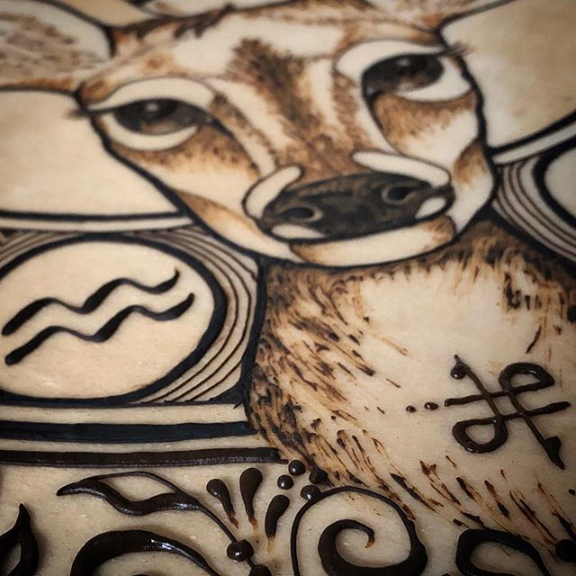 Honored my totem animal today. #deermedicine 🦌 To see this full creation, check out my henna account: @sacredspacehenna now off to watch a movie with my honey.  #jamiesawyer #totemanimal #henna #sacredspacehenna