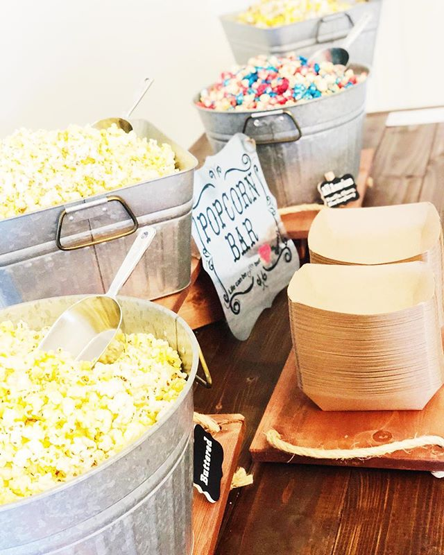 You can't go wrong with a popcorn bar. 😋