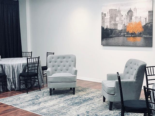 Isn't this room beautiful? It's our newest addition!! • This bridal room will be available to anyone who wants to use it for their wedding starting TODAY.  This room has tons of space including a bathroom, two changing rooms and a private bridal suite. It's the perfect room for anyone getting married at Old Towne!! 💕