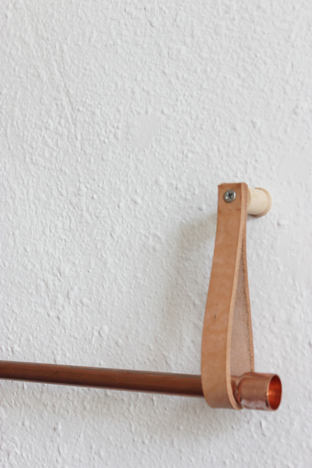 DIY Copper Leather Hanging Clothing Rack hometohem.com 2016_3