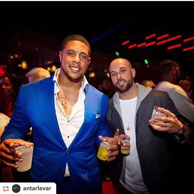 #GPRepost,#reposter,#notetag @antarlevar via @GPRepostApp ======  @antarlevar:AL Client Rodger Saffold @rsaff76 of The LA Rams Spotted in AL Garments in Houston For SuperBowl 51! AL Garments Have You Feeling Like Tony Montana! Fabric of Choice @caccioppoli1920 #keepwinning #antarlevar #rodgersaffold #nfl #sb51 #superbowl #larams #suits #handmade #godisgood #grateful