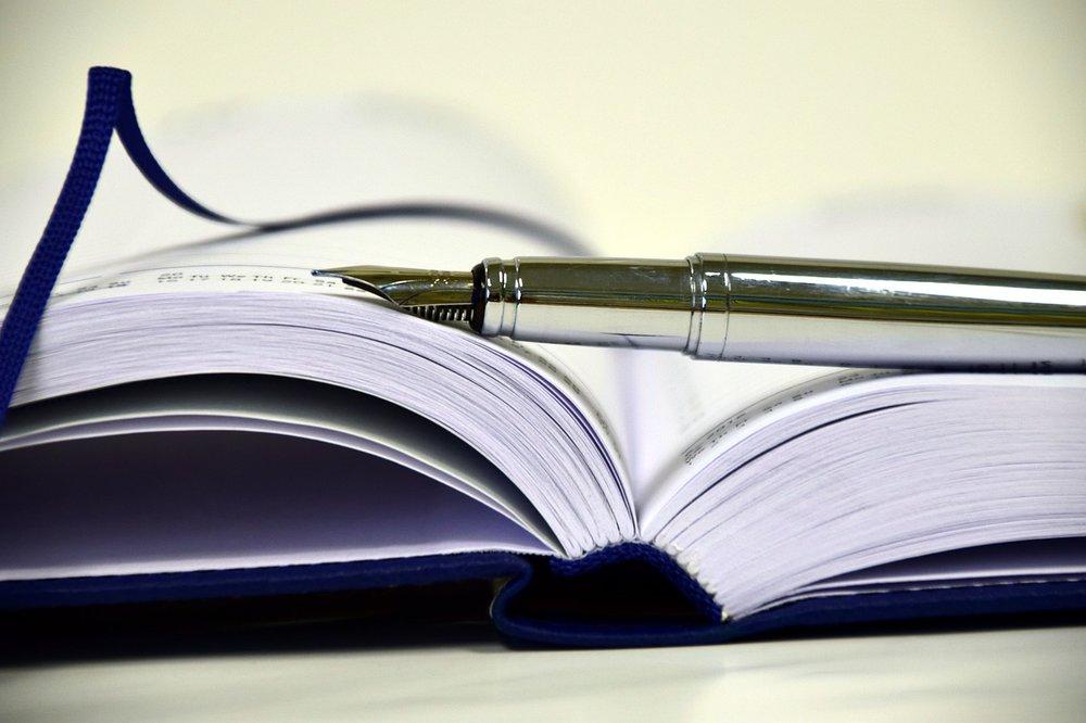 book-1945459_1280.jpg