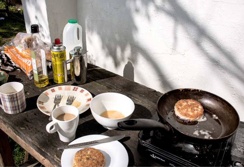 What a lovely welcome breakfast at the mill! Crumpets and coffee in the sun.