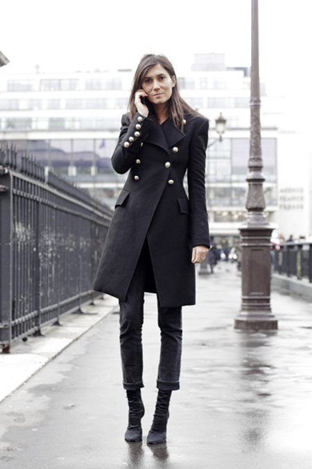 emmanuelle-alt-black-long-coat-2.jpg
