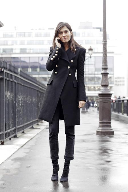 emmanuelle-alt-black-long-coat-2.jpg