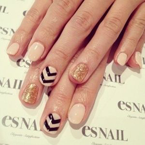 nude-chevron-nails.jpg
