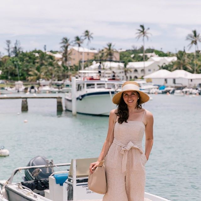 So happy when Friday rolls around but wishing I was spending it back here... 🇧🇲 • • • • • #wearetravelgirls #sheisnotlost #darlingescapes #ladiesgoneglobal #dametraveler #globelletravels #girlslovetravel #sidewalkerdaily #femmetravel #thetravelwomen #girlsborntotravel #girlsmeetglobe #girlsvsglobe #travellushes #lifewelltravelled #letsgoeverywhere #girlswhotravel #sheexplores #abmtravelbug #traveldeeper #myfavtourlina #radgirlslife #explorerbabes #timeoutsociety #followmytravel #bermuda #travelgirl #athomeintheworld #openmyworld #mytinyatlas