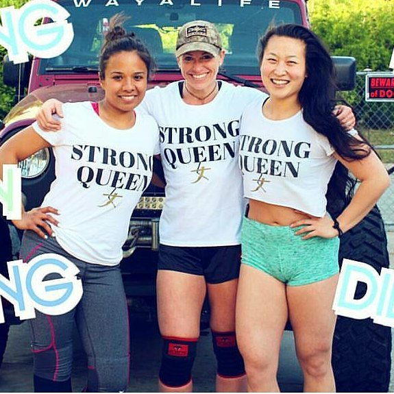 #StateSideSTRONGsisters!!! 🇺🇸💪💜👑 . @slpz22 & @jamiepoppchristenson are both #STRONGwoman athletes!!! 💪💪💪 . They are both super strong, beautiful and kind! 💜💜💜 . What does it mean to you to be a #STRONGqueen? 🤔🤔🤔 . Hope everyone's having a STRONG AND POWERFUL DAY!!! 💪💪💪💥💥💥💜💜💜 #STRONGgirltakeover