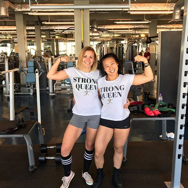 #STRONGsisters!!! 💪💜👑 . Who are the #STRONGqueens in your life? 👑👑👑 Tag them so they know you appreciate them!!! 💜💜💜 . @hashtagheavy is a linguistics student at Oxford University and their powerlifting president! 💪💪💪 Smart & strong!!! .  Hope everyone's having a STRONG AND POWERFUL DAY!!! 💪💪💪💥💥💥💜💜💜 #STRONGgirltakeover