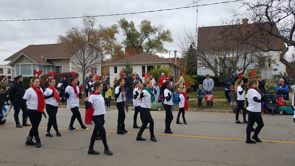 Oakville Parade 11.jpg