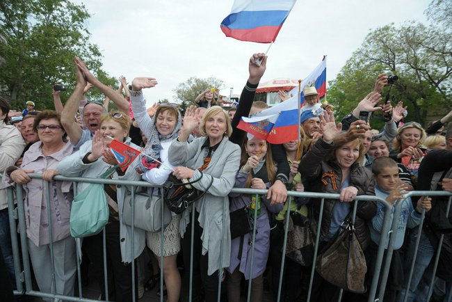 Pro-Russia Supporters in Crimea (Source: Russian Government)