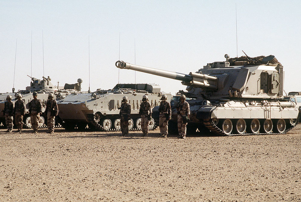 1200px-AuF1_and_AMX-10P_Royal_Saudi_Land_Force.jpg