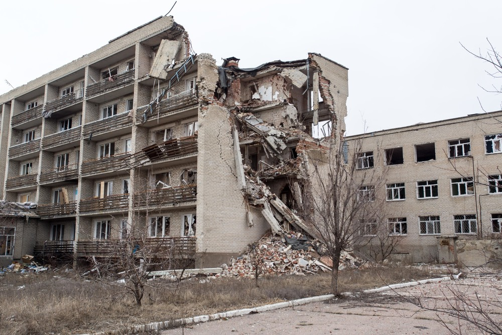 A building in eastern Ukraine partially destroyed by the war. Photo courtesy of Bryce Wilson.