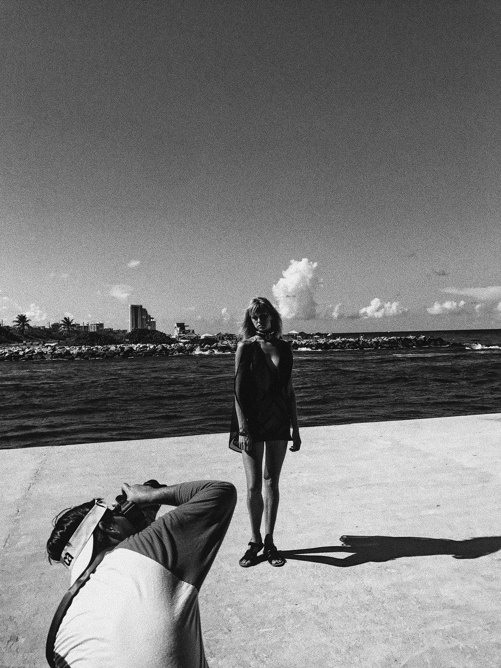 black-white-fashion-ediorial-photography-illy-perez