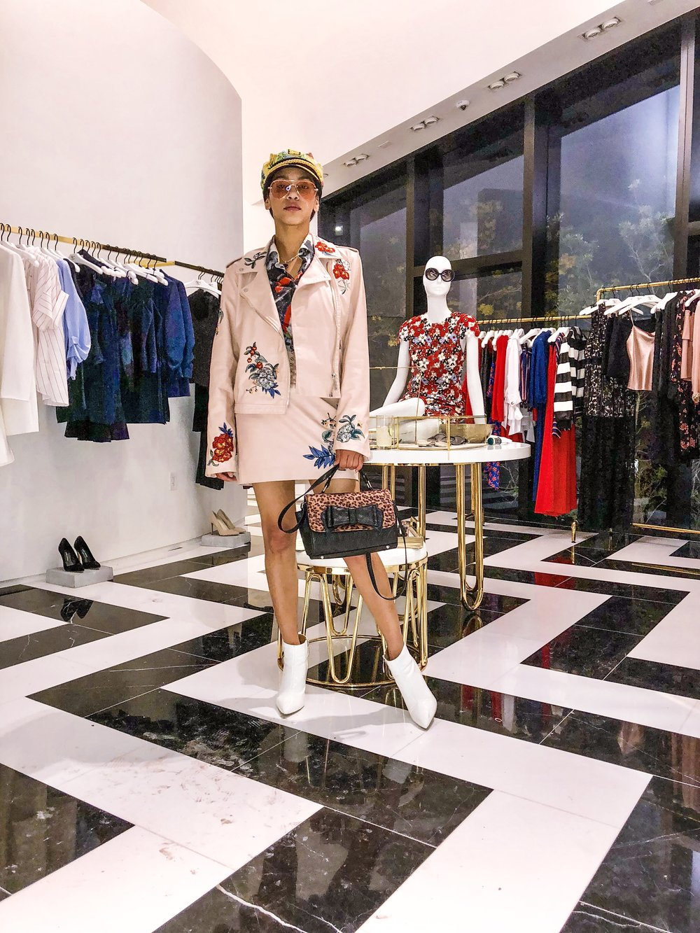 pink-outfit-style-alice-and-olivia miami design district event-lifestyle-fashion-blog-house-of-she-fashion-stylist-illy-perez