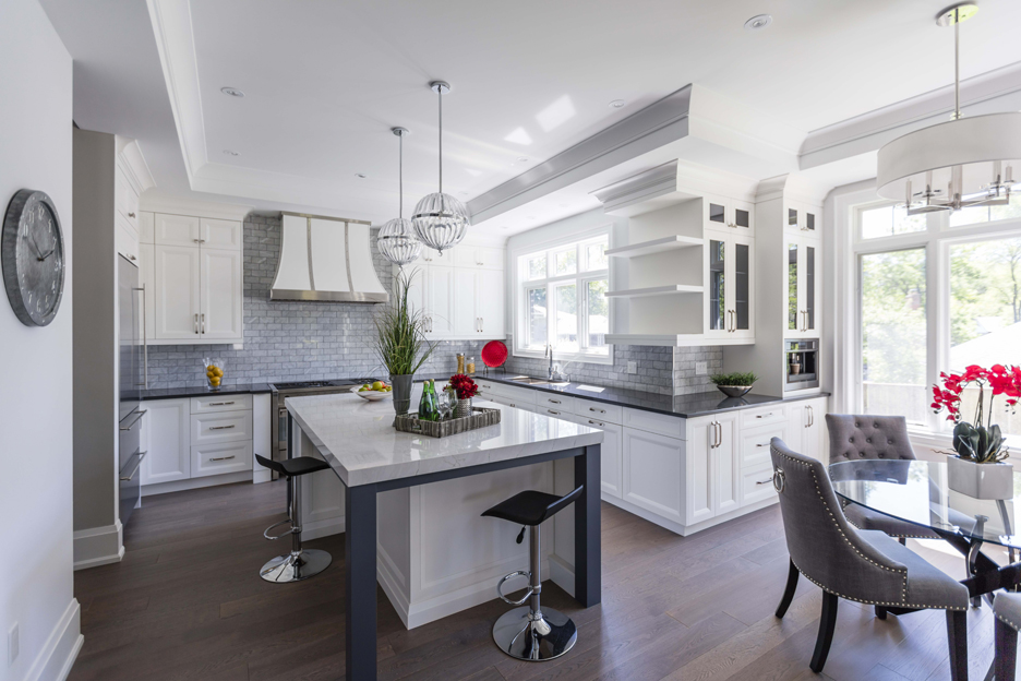 2458 Meadowood_Oakville_01_smaller.jpg